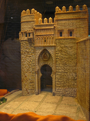 marzipan castle image by flickr user fernfern